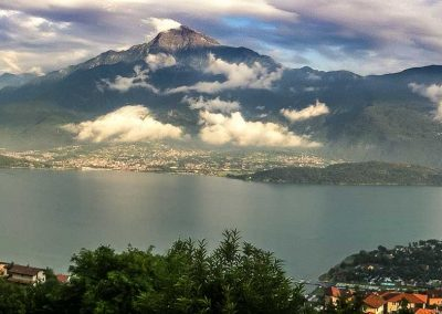 Comer See mit Monte Legnone